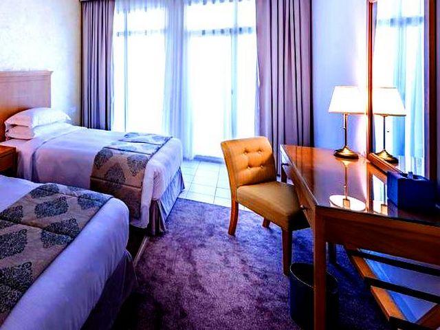 يُعد فندق روضة المروج من ارقى فندق في دبي وذلك بفضل موقعه المُميّز.