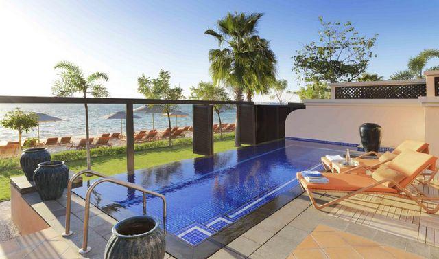 منتجع وسبا نخلة دبي بإدارة أنانتارا هو أفخم فنادق مع مسبح خاص في دبي لتوفيره كافة سبل الراحة
