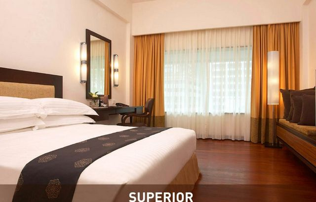 جميع غرف فندق البرجين كوالالمبور تتمتع بمساحات واسعة وديكورات راقية