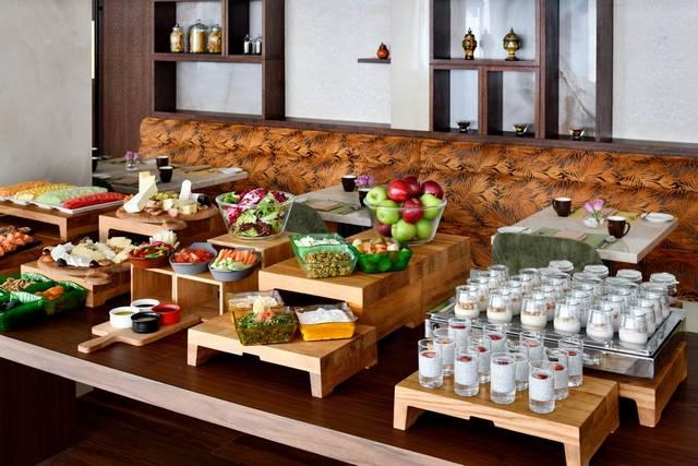 يضم موفنبيك للشقق الفندقيه دبي داون تاون مطعم يُقدّم المأكولات الأمريكية الفخمة.