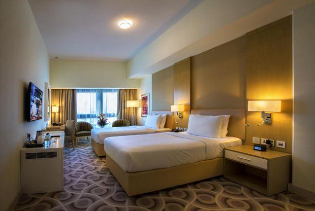 إليكم ترشيحاتنا لأفضل فنادق دبي شارع زايد