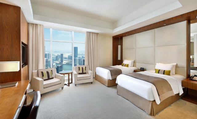 تبحث عن فنادق في دبي؟ فنادق في شارع الشيخ زايد دبي هي الأفضل