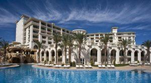 للباحثين عن الاستجمام مصحوبًا برفاهية الإقامة إليكم افضل فنادق شرم الشيخ للعائلات