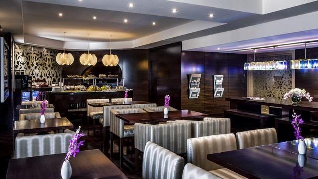 مطعم فندق كراون بلازا دبي ديره