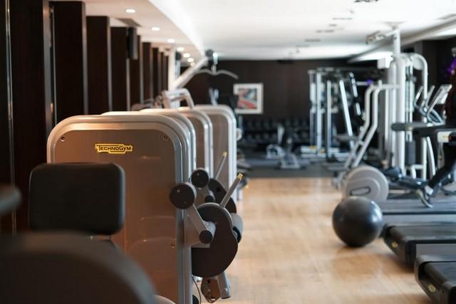 فندق اليت رويال دبي تحتوي على صالة لياقة بدينة