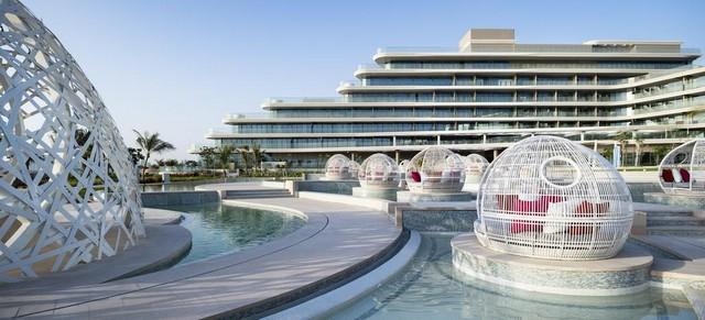 فندق دبليو دبي يضم مرافق وخدمات مُبهرة