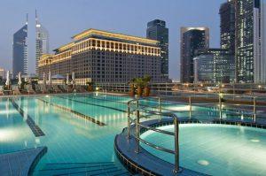 تتميز فنادق دبي 4 نجوم شارع الشيخ زايد بإطلالاتها الفريدة من نوعها مع تقديم أرقى المرافق والخدمات الفندقية