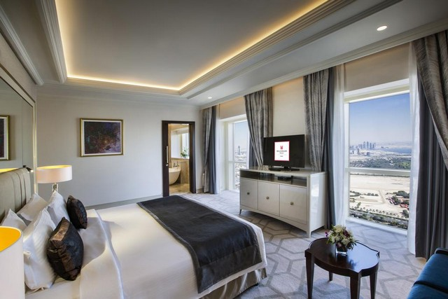 فنادق دبي شارع الشيخ زايد تنصيف 5 نجوم تُقدّم مجموعة مُتكاملة من الخدمات