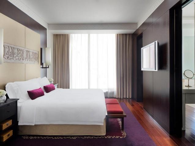 فندق ذا اتش دبي من افضل ففنادق دبي 5 نجوم شارع الشيخ زايد التي تقع بالقُرب من العديد من المعالم السياحية في دبي.