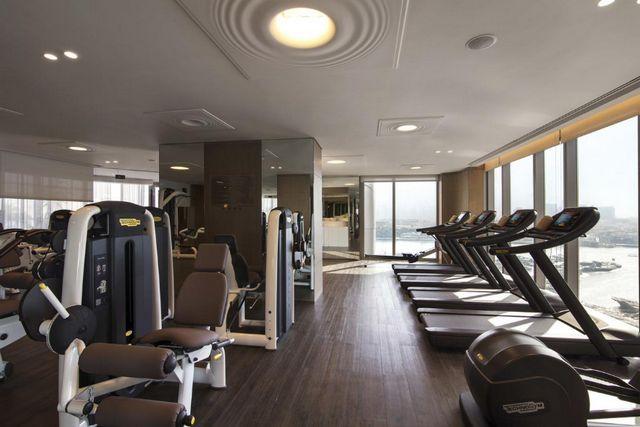 يضم فندق البندر ارجان روتانا دبي صالة ألعاب رياضية على أعلى مستوى