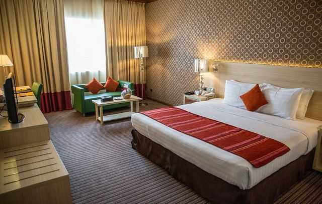 فندق سافرون بوتيك من فنادق البراحة دبي 3 نجوم