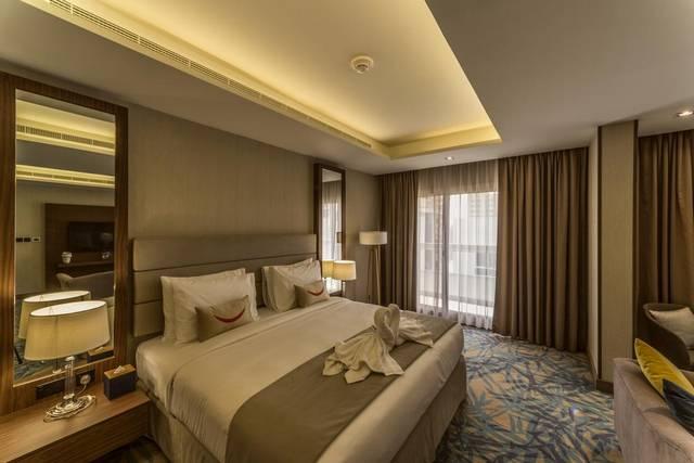 يضم  فندق تايم اوك دبي خدمات عديدة مما يجعله الخيار الأمثل بين فنادق البرشاء دبي