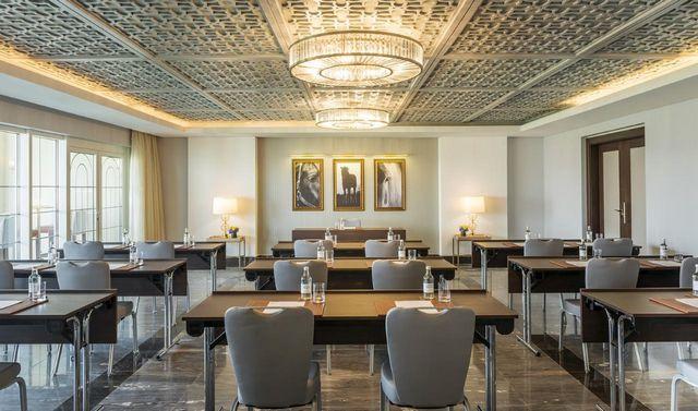 يضم فندق الحبتور بولو دبي مطاعم راقية المثستوى