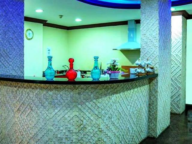 المرقبات بلازا للشقق الفندقية دبي أحد عدة شقق فندقية في ديرة دبي تتضمن مركز عافية وسبا