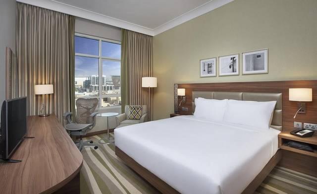 فندق هيلتون جاردن ان دبي المرقبات من أهم فنادق المرقبات دبي لضمه وحدات مُتنوعة تُناسب كافة الأذواق
