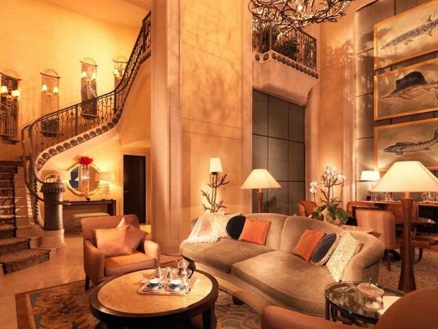 يتميّز فندق أتلانتس دبي بموقع خلّاب على جزيرة اتلانتس