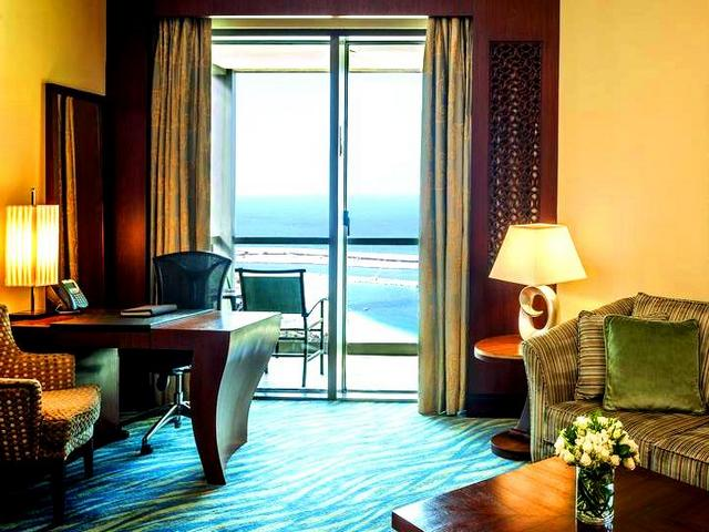 توفر اجمل فنادق دبي على البحر إطلالات مميزة وخدماتٍ متكاملة