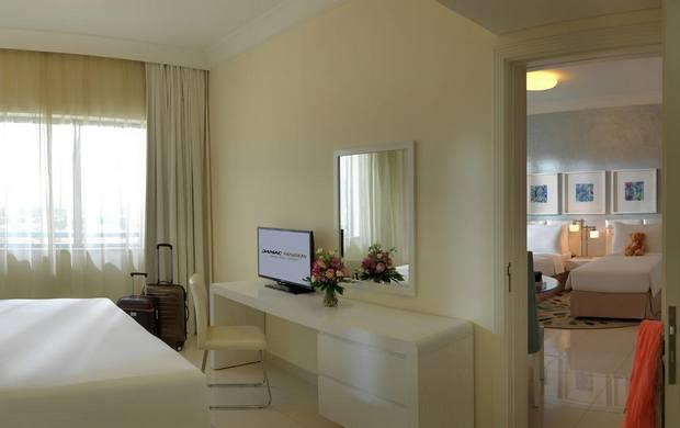 من أجمل فنادق قريبه من دبي مول مشي يوفر أنشطة متنوعة وموقع ممتاز.