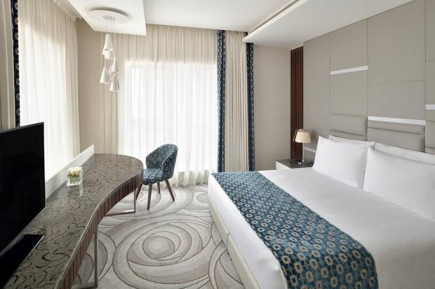 فندق العنوان هو فندق قريب من دبي مول يتميّز بموقع رائع وإطلالة ساحرة.