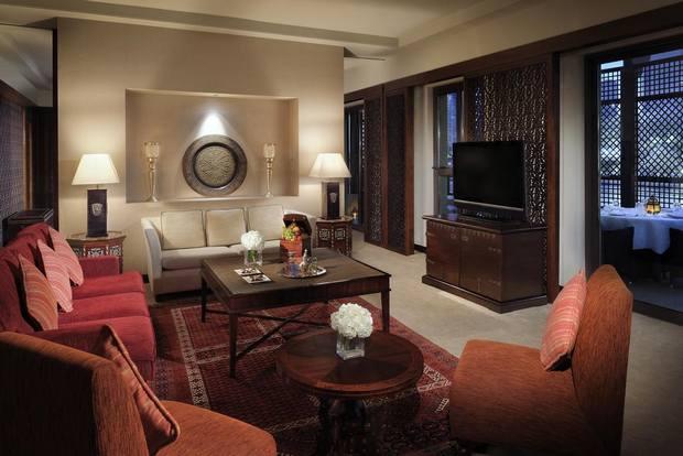 هو أحد فنادق دبي قريبة من دبي مول مناسب للعائلات وقريب من المناطق السياحية بالمدينة.
