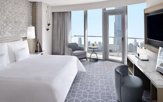 إن كنتِ عروساً وتبحثين عن فنادق دبي للعرسان نحن نُرشح لكِ افضل فندق في دبي للعرسان بل ومن افضل فنادق الامارات دون مُنازع