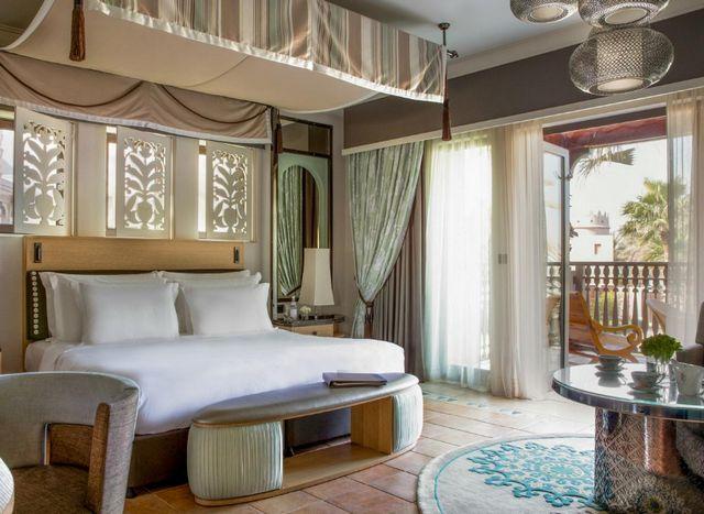 يُعد جميرا دار المصيف من افضل فندق للعرسان في دبي الشاطئية للعرسان