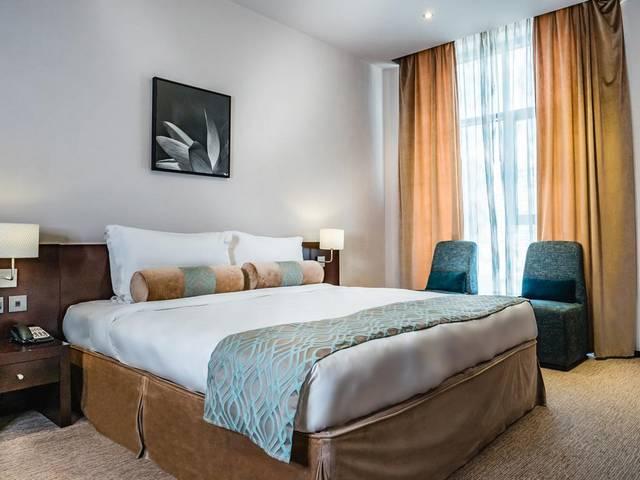 فندق سيجنتشر مارينا من افضل فنادق دبي للعوائل السعوديه كونه يضم خدمات عائلية مُتميزة