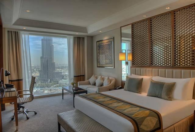 فندق تاج دبي هو افضل فندق في دبي يُوّفر إطلالات على برج خليفة.