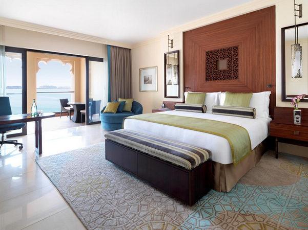 سحر وراحة واستجمام في فنادق جزيرة النخلة دبي