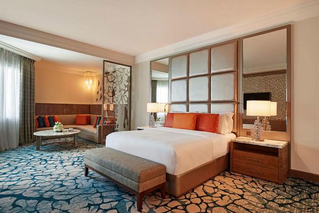 تذوق  أريحية الإقامة في فندق جزيرة النخلة