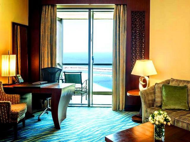 جميرا بيتش هوتيل دبي هو من افضل فنادق دبي التي تُلبّي احتياجات النزلاء.