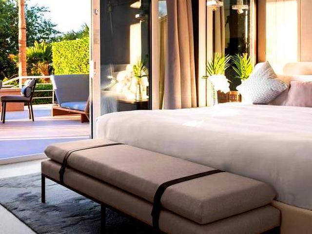 تتميّز غُرف فنادق دبي جميرا بيتش بمساحاتها الشاسعة.