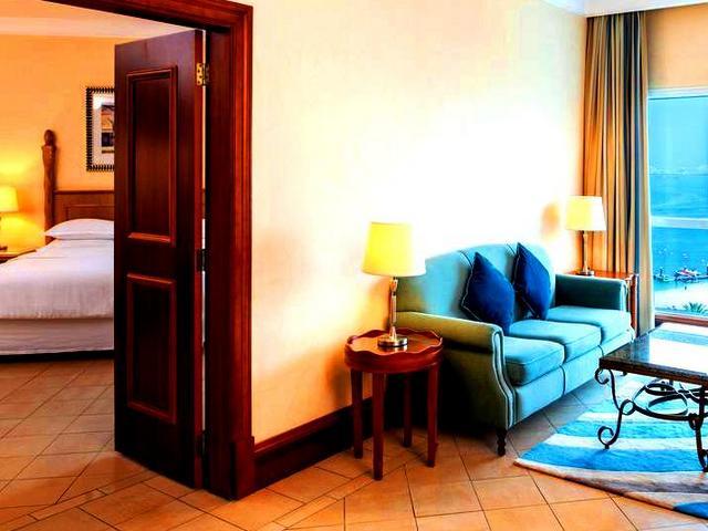 مُنتجع شيراتون أحد أفضل فنادق دبي جميرا بيتش