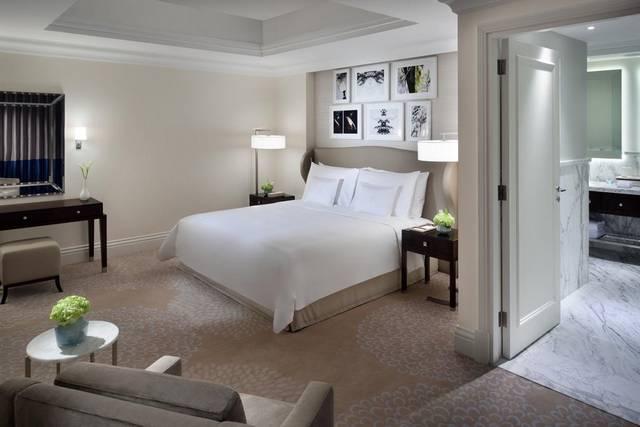 فندق العنوان بوليفارد يضم العديد من مرافق العناية بالصحة كالمسابح المُتنوعة جعلته افضل فندق بوليفارد دبي