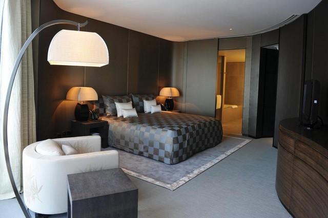 تتميز فنادق برج خليفة بموقعها الرائع من مركز دبي