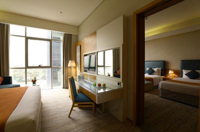 نُرشح لكم افضل فنادق ديرة دبي 4 نجوم لما تُقدمه من خدمات إقامة راقية وما توفره لنزلائها من مزايا