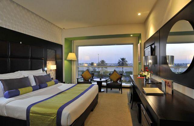 فندق هيوز بوتيك دبي واحد من افضل فنادق ديرة دبي 4 نجوم ننصح بالإقامة به