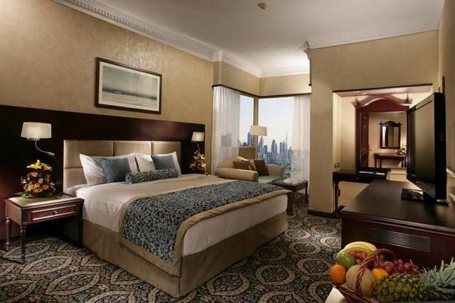 هناك فندق على البحر في دبي يتميز بأسعار مقبولة إلى حدٍ كبير