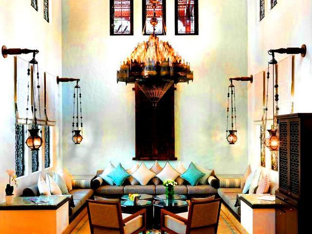 عند السكن في فندق ٥ نجوم دبي تحصل على خدماتٍ ومرافق متنوعة تلبي كافة احتياجاتك