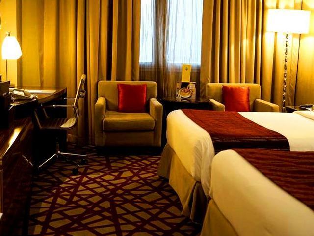 توفر العديد من فنادق دبي ٥ نجوم مساحاتٍ تناسب العائلات