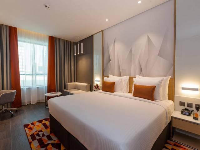 يتميّز فندق فلورا ان دبي بوحدات ذات إطلالة ساحرة مقارنةً بـ فندق في مطار دبي