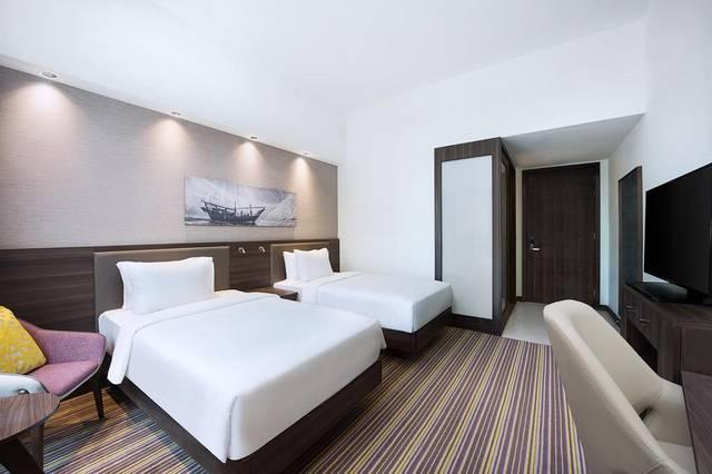 يتميز فندق هامبتون دبي بالخدمات والمرافق العديدة وهو من أفضل فنادق مطار دبي
