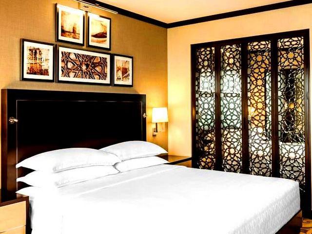 تناسب الإقامة في فندق الخور دبي العائلات ورجال الأعمال على حدٍّ سواء