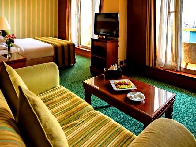 تضم فنادق خور دبي مساحات إقامة متنوعة تناسب الأفراد والجماعات