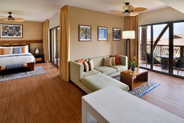 يضم منتجع لابيتا دبي أماكن إقامة فسيحة وبهذا فهو من أرقى منتجعات دبي للعوائل