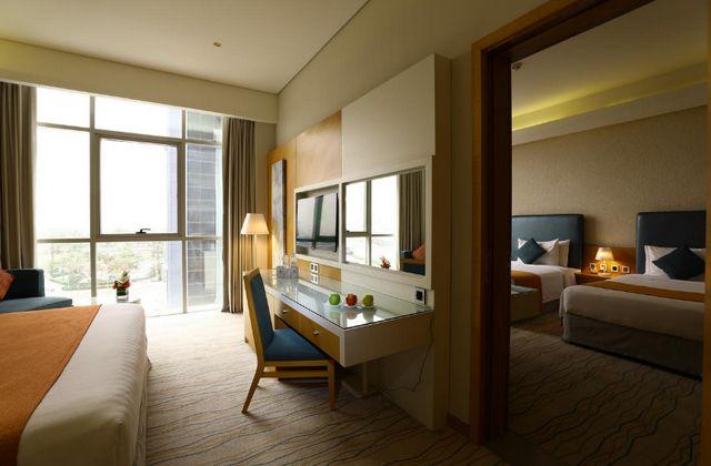 يُمكنك ببساطة الاستمتاع واختيار فندق دبي بمسبح خاص عبر تقريرنا