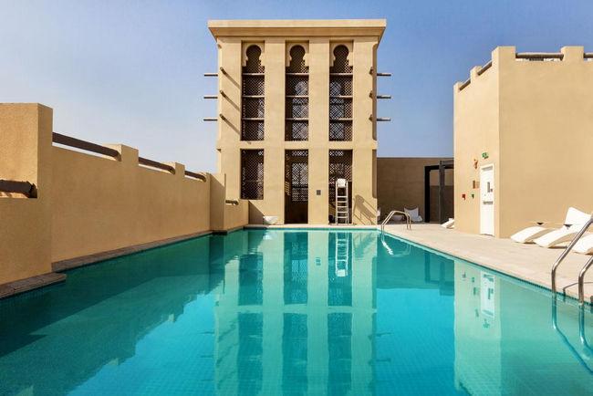 منتجعات في دبي تضم مسبح خاص خارجي مُمتع