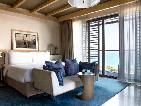 اجمل منتجعات دبي للعرسان مع غُرف إطلالتها مُثيرة على البحر