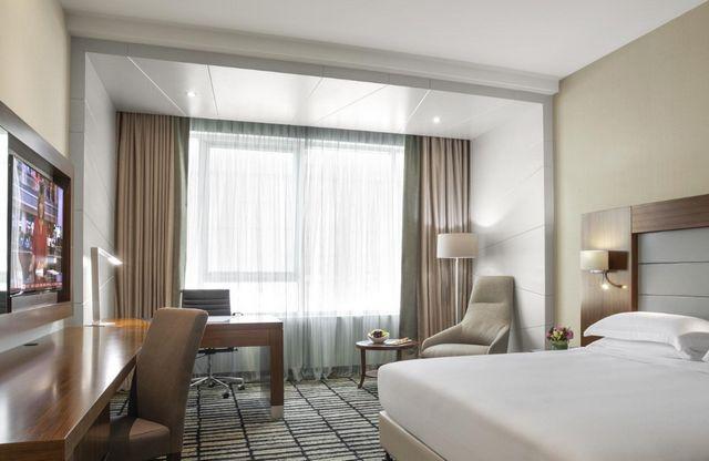 كافة المعلومات عن فروع فندق روتانا دبي