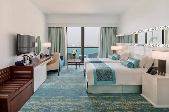 توفر فنادق في دبي على البحر إطلالات لا تُضاهى